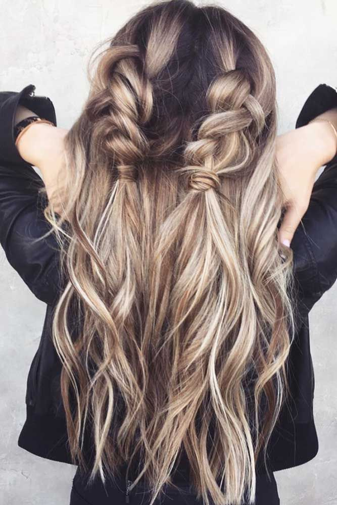 Easy hairstyles that can make you look cute are exactly what we need during Chri…