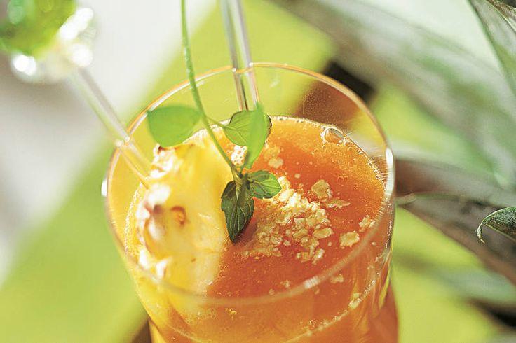 Das Rezept für Smoothie mit Ananas + Ingwer mit allen nötigen Zutaten und der einfachsten Zubereitung - gesund kochen mit FIT FOR FUN