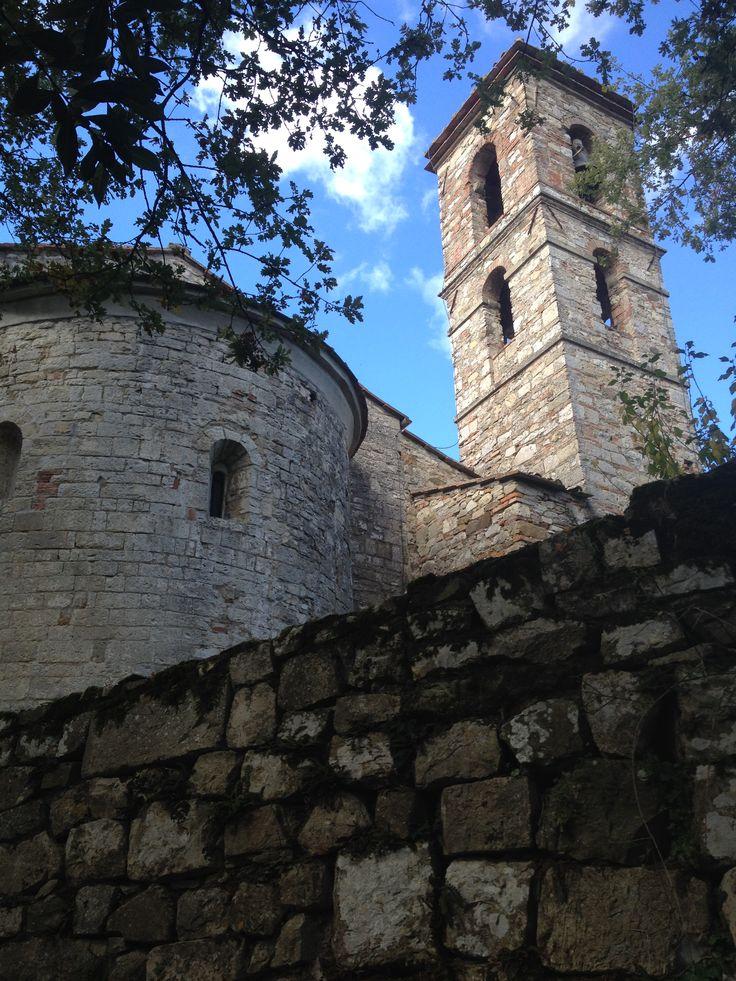 Siamo sulla via Bolognese all'altezza di Tagliaferro, direzione Firenze /San Piero: giriamo a sinistra per una strada che le indicazioni danno per Spugnole e Trebbio. Il tracciato, in massima parte...