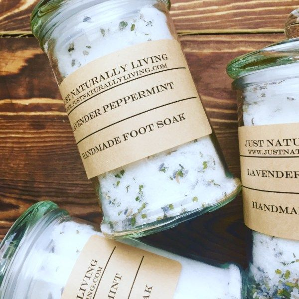 Peppermint Lavender Foot Soak is the perfect way to relax sore feet and reduce odour after a long day.   Ingredients: Epsom Salts, Baking Soda, Peppermint Leafs, Lavender Buds, Essentials Oils.