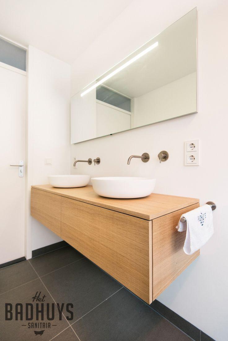 17 beste idee n over moderne badkamers op pinterest modern badkamerontwerp douches en moderne - Badkamer meubilair ontwerp eigentijds ...