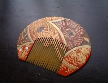 i love wooden combs