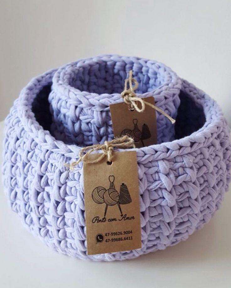 """55 curtidas, 2 comentários - Crochê fio de malha & Tricô (@pontocomamor_) no Instagram: """"Lilás super delicado! #pontocomamor #crochê #crochet #handmade #feitoamão #artesanato #fiodemalha…"""""""