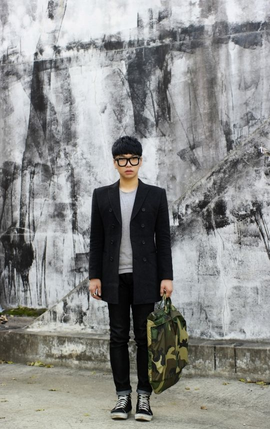 outer-handmade, top-giordano, shoes-vans-sk8, bag-karina. Daily fashion of people from seoul, korea.