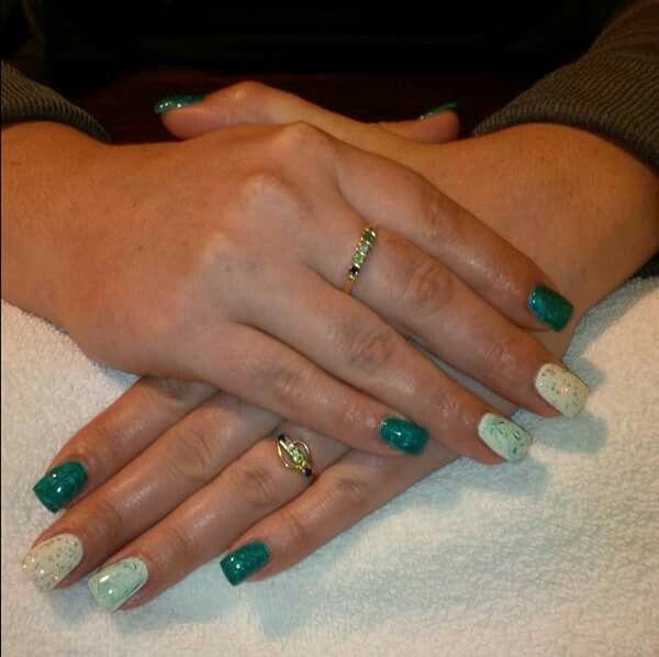LCN #gelnails #bling #green #white #marble #LCNproductsonly #facebookgetnailedbyApril