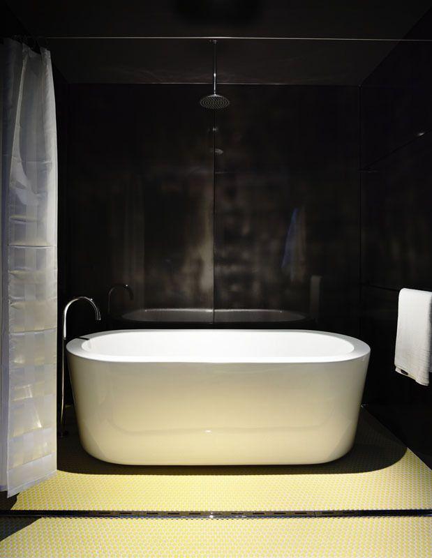 Blairgowrie Back Beach / Wolveridge Architects #elmigerdesign #bathroom #suggestion