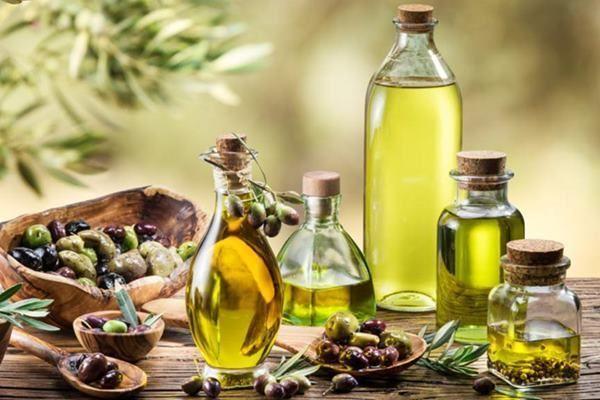 Principalele proprietăţi terapeutice ale uleiului sunt: te scapa de gastrita si protejeaza ficatul un bun aliat impotriva cancerului intareste oasele si calmeaza durerile ( ajuta la mentinerea densitatii oaselor) face adevarate minuni pentru... http://ift.tt/2iOMlix