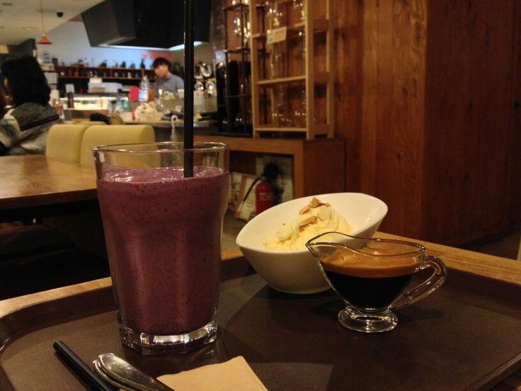 #커피이야기 #카페 #Coffeeeyagi #coffee #dessert #cafe #affogatto #blueberrysmoothie
