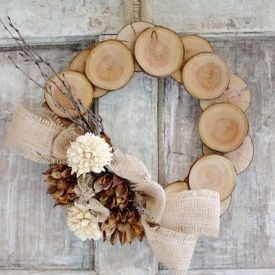 A simple and easy tutorial for creating a neutral and natural wreath from wood. Minus the burlap. What's up with ALL the burlap?