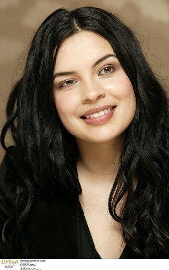 Zuleikha Robinson as Amira