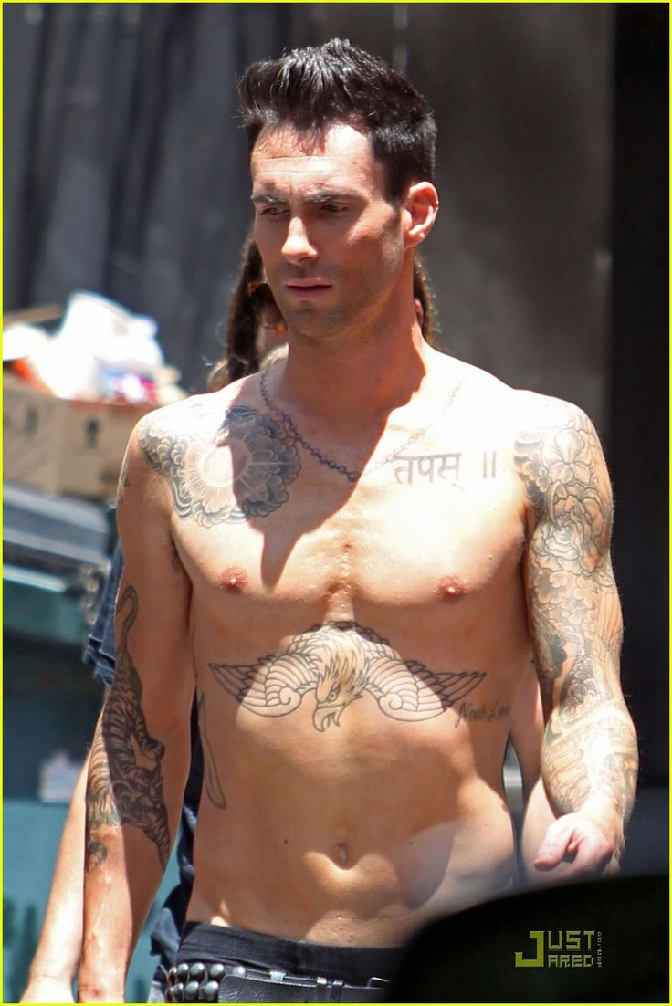 Adam Levine: Shirtless on 'Moves Like Jagger' Video Set! | adam levine shirtless on music video set 02 - Photo Gallery | Just Jared