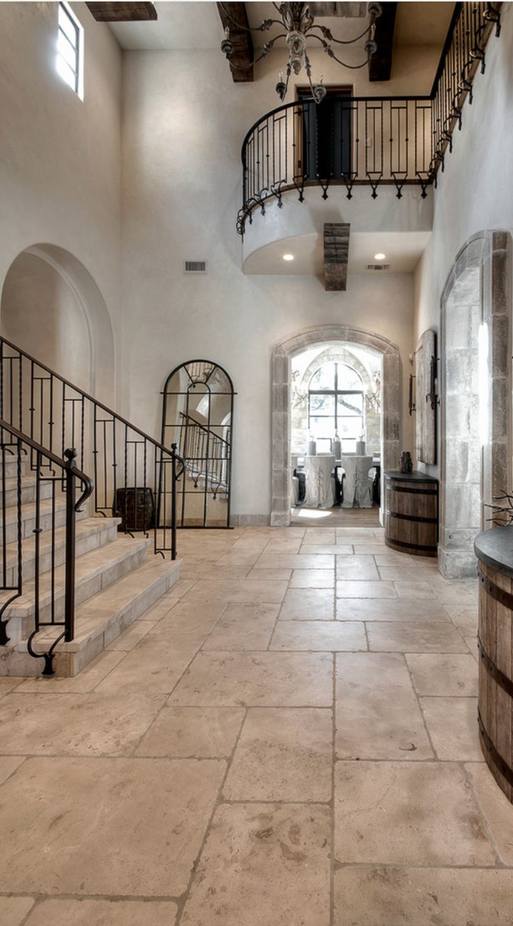 THESE FLOORS, Travertine and the cut! - light, combination of large, medium and small block tiles. Old World, Mediterranean, Spanish Home Decor