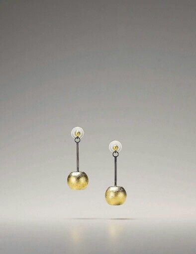 No. 1015DFSGLE material: sterling silver, gold leaf #silverjewelry #sohyungjoo #goldleafjewelry #oxidizing