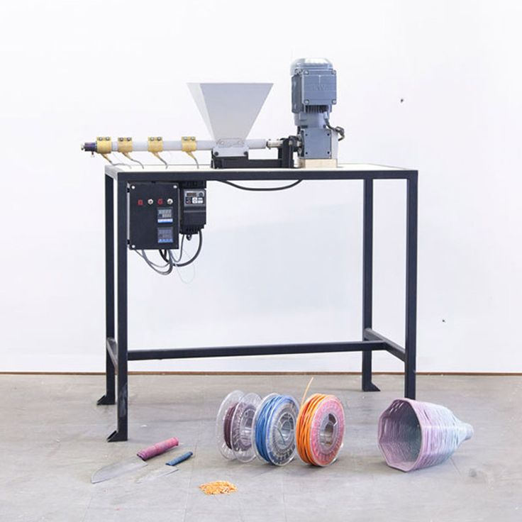 Dave Hakkens updates open-source Precious Plastic recycling machines