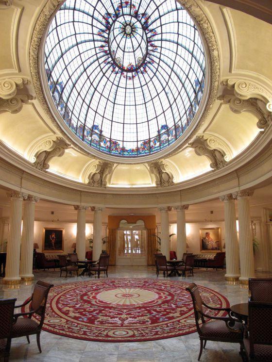 Foto     Salón del hotel Carlton, en BIlbao, inaugurado en 1927 y sede del primer Gobierno vasco durante la Guerra Civil. / CRISTINA ARIAS