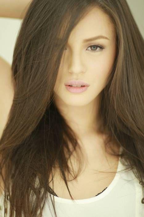 georgina-redhead-topless-nude-pics-of-milla-jovovich