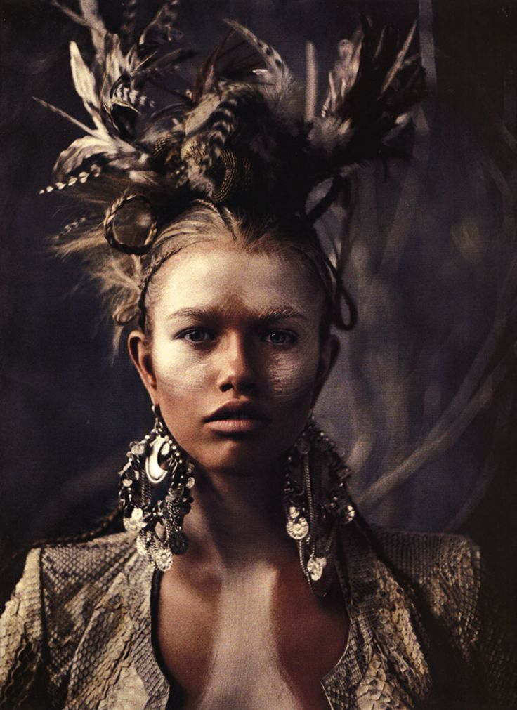 I really liked the feather work, as well as the highlights on her face..... neat.      THE LIFESTYLE CONNOISSEUR: Tribal Fashion Shoot