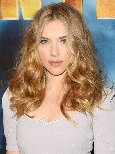 Curly: Hair Beautiful, Hair Colors, Messy Hair, Scarlett Johansson, Layered Hairstyles, Curly Hair Cut, Soft Curls, The Waves, Shoulder Length Hair