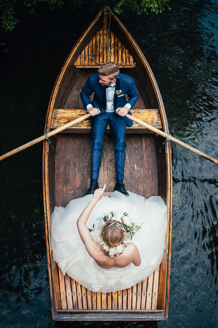 A must read for the future Mr & Mrs! Bridebook.co.uk, the free online wedding planner, here to help you plan your dream wedding without a hitch.