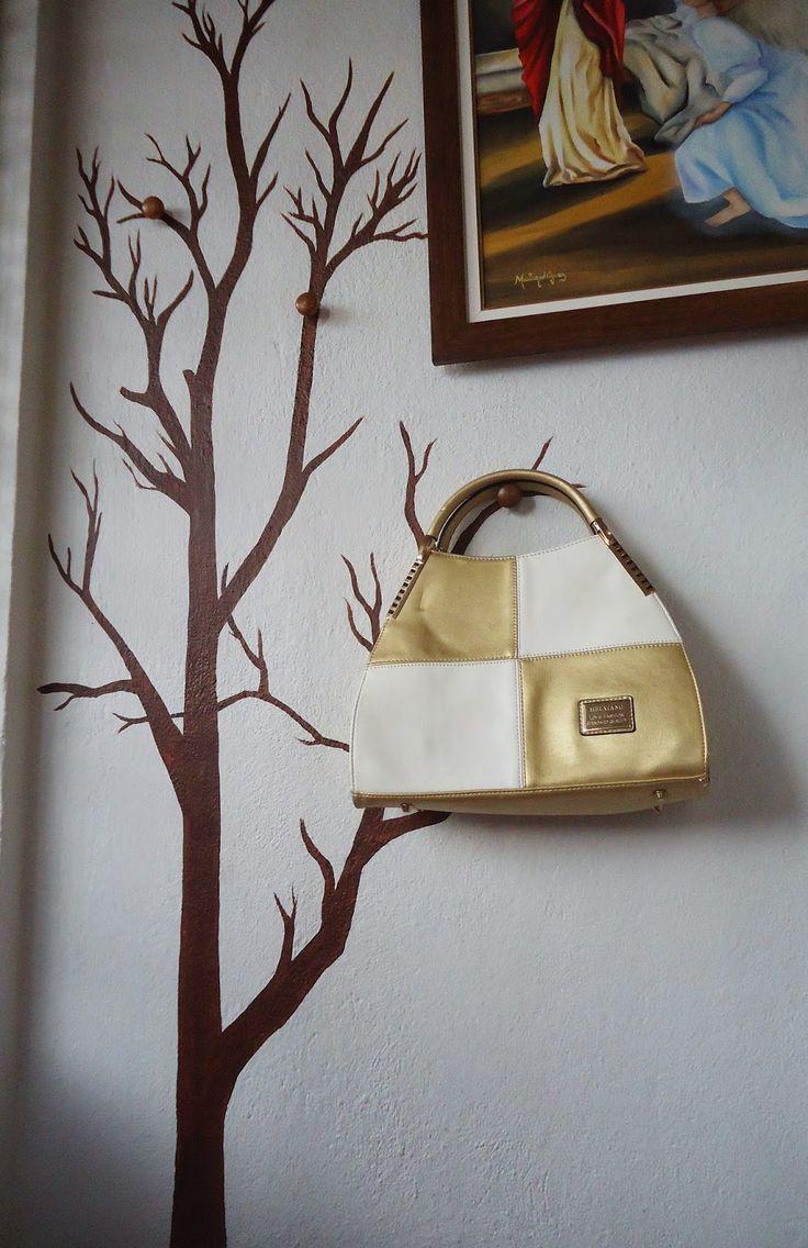 Art & Casa - Mari Rodrigues: Uma árvore brotou na minha sala- 1 Projeto Por Mês