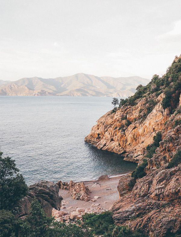 CORSE PIANA Capo Rosso : de belles calanques paisibles