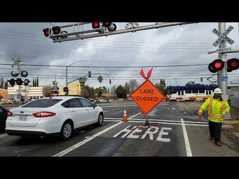 Bradshaw Road Railroad Crossing, Sacramento Light Rail Trains and Signal Maintainers and SMUD Crew - YouTube