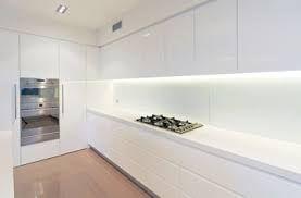 minimal kitchen splashback