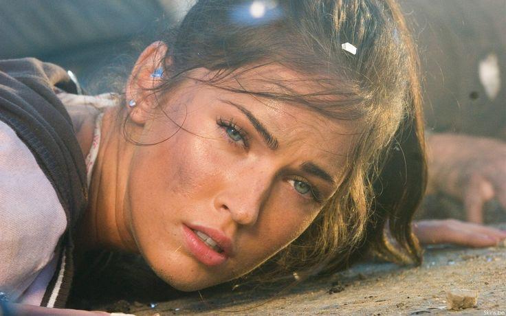 Free download Megan Fox In Transformers 1 Wallpaper / Desktop Background in 1680x1050 HD
