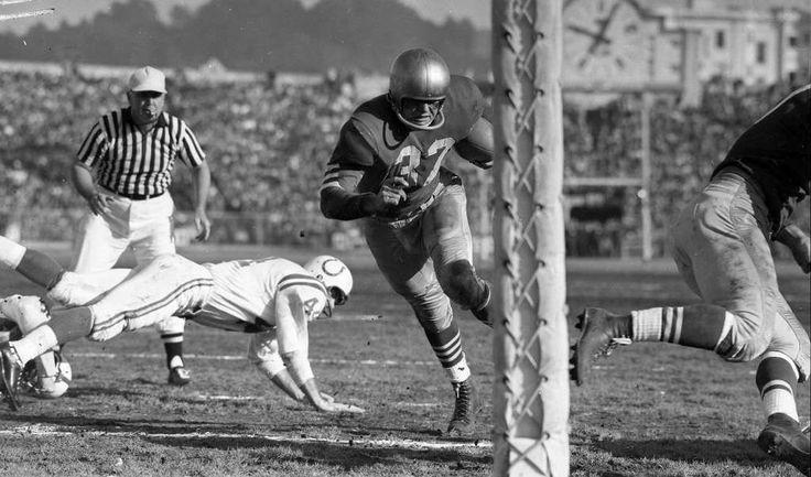 49ers fullback Gene Babb scores a first-quarter touchdown vs. Baltimore Colts (Kezar Stadium).