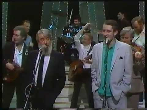 """Whiskey in the Jar"" with the Dubliners and the Pogues - YouTube"