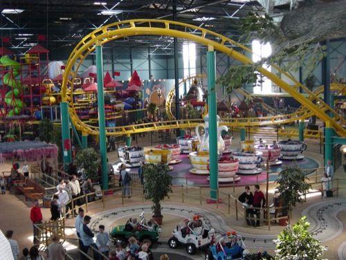 Toverland is een compleet Attractiepark maar dan binnen!