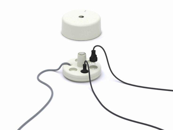 Multi-presa elettrica PUNKT. ES 01 by Punkt Tronics | design Georges Moanack