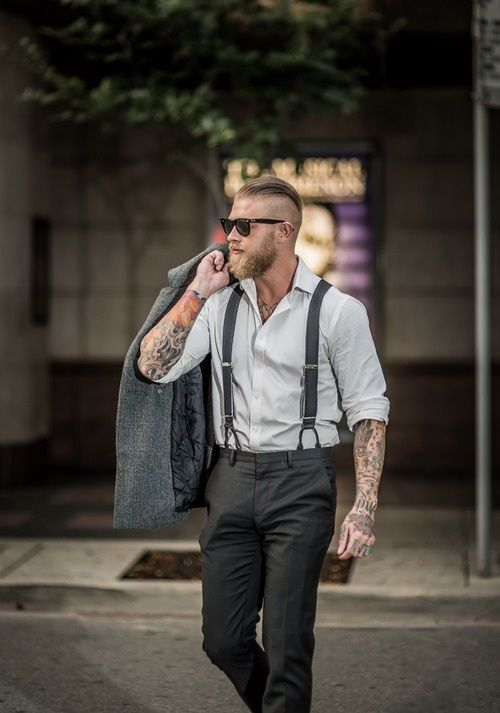 People with tattoos are stereotyped as never going to be able to work in a corporate setting due to their tattoos looking unprofessional, but the way these men look takes that stereotype, balls it up, throws it in the trash and then sets said trash on fire. Prepare to be wooed by these dapper dudes with tattoos.