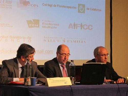 Pacientes y sanitarios podrán resolver conflictos con un servicio de mediación de 540 euros