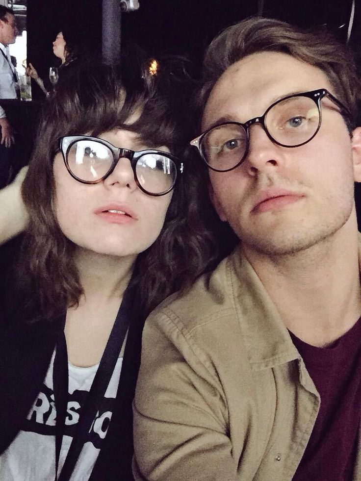 Who is dodie dating