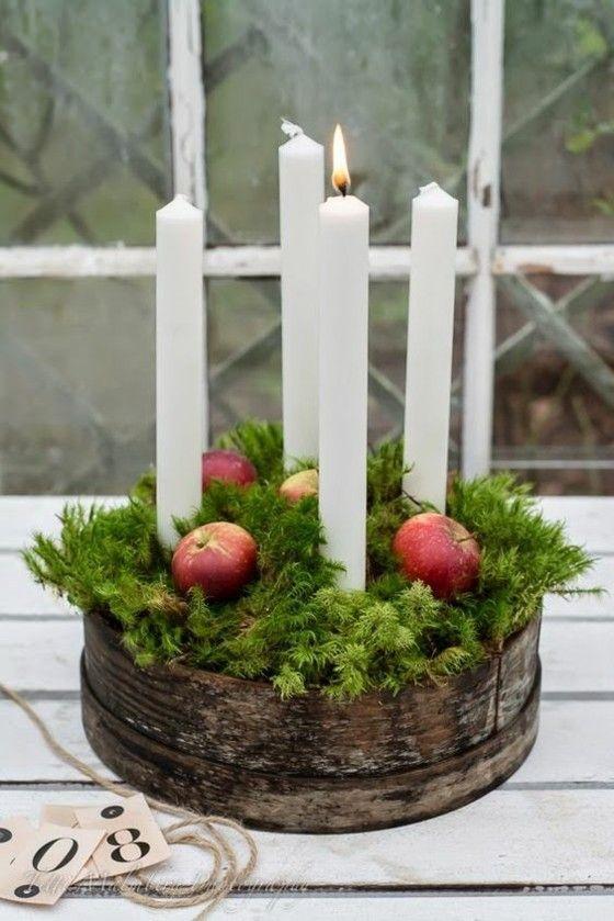 Retro rustikal vier Kerzen –brennen- grüne Zweige- Moos – Korb
