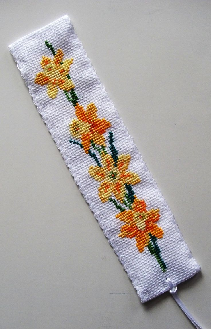 Daffodils Bookmark  CrossStitcher