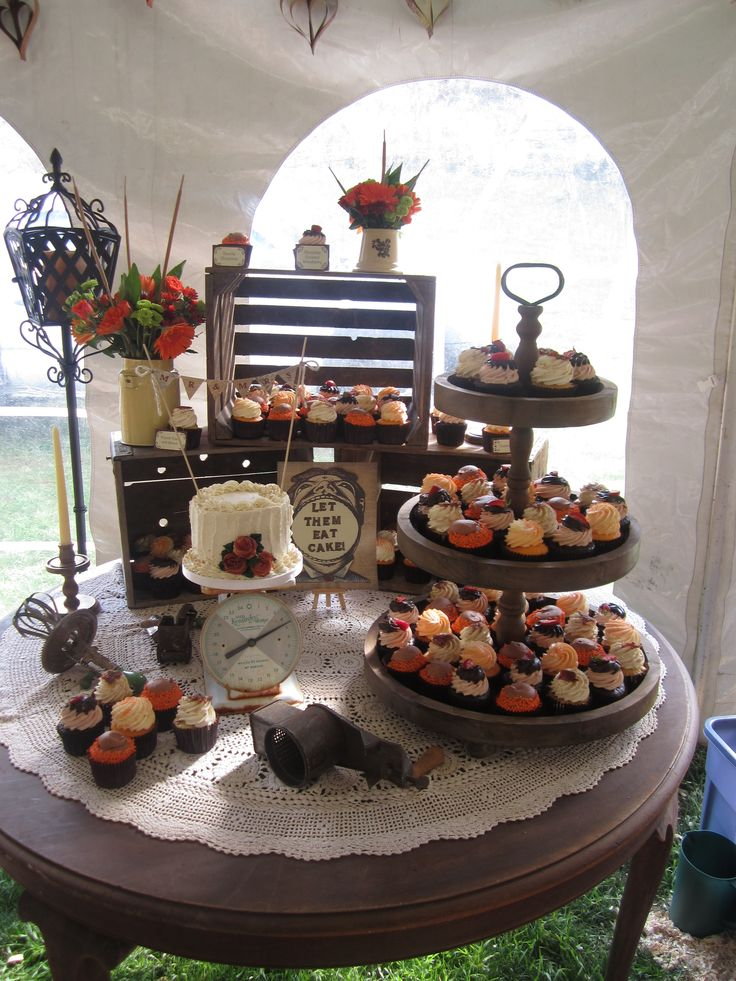 Wedding Dessert Idea #rustic #theme Like Us on Facebook for New 2014 Contests and Giveaways..... facebook.com/586eventgroup www.586eventgroup.com