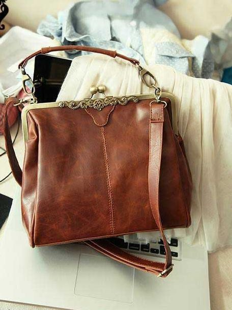 Retro Brown synthetic Leather Purse