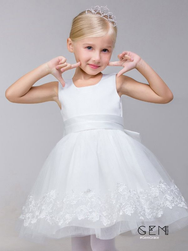 Simple White Short Tulle Flower Girl Dress With Lace Hem In 2019