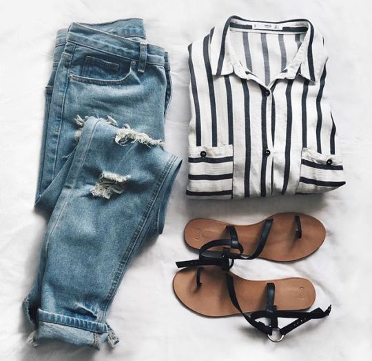 summer casual style / ripped blue jeans and striped shirt with sandals