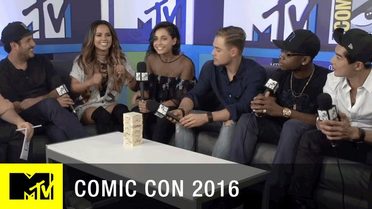 The Cast of The Power Rangers Loved the Original Power Rangers | Comic Con