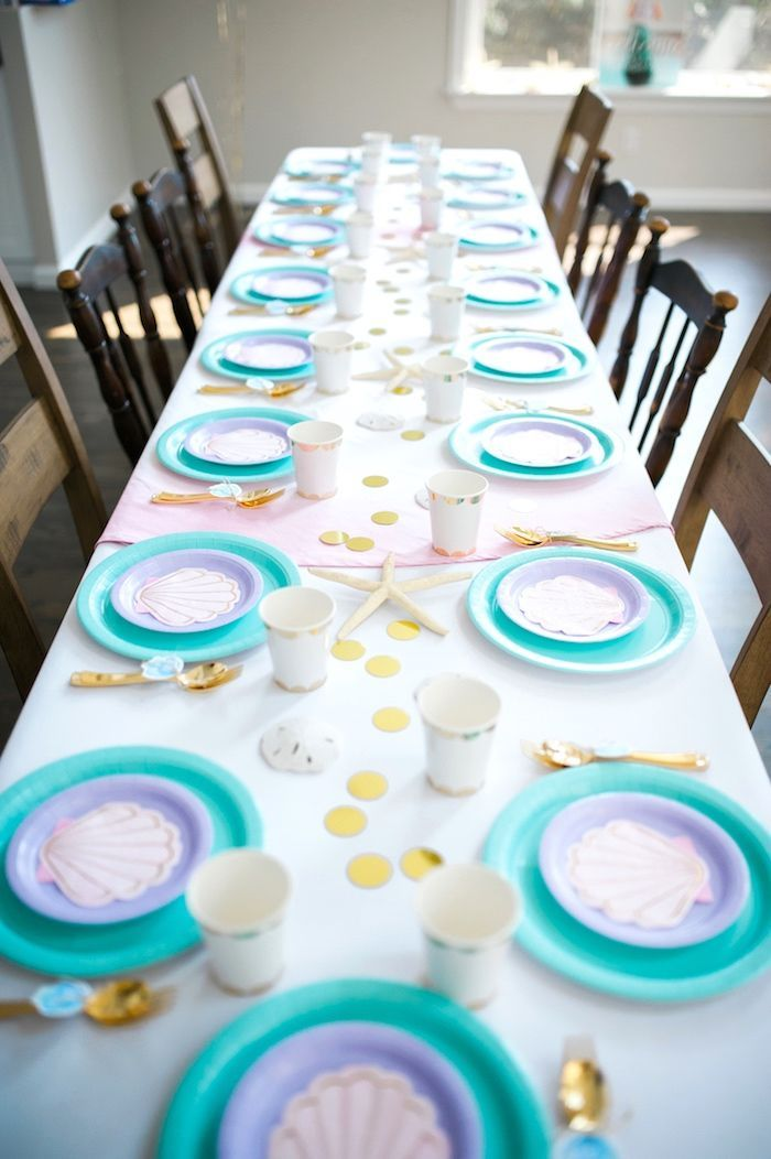 Meerjungfrau Party - Dekoration Ideen für den Meerjungfrauen Kindergeburtstag // #meerjungfrau #kindergeburtstag Guest tablescape from a Pastel Mermaid Birthday Party on Kara's Party Ideas | http://KarasPartyIdeas.com (17)
