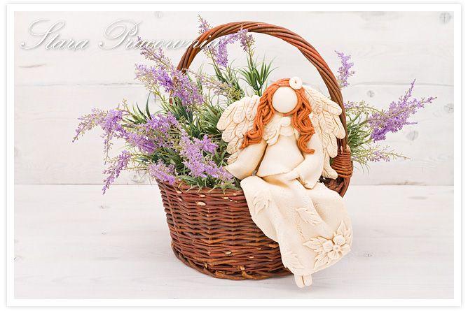 Siedzący aniołek z masy solnej, siedzący anioł z masy solnej, siedzące aniołki z masy solnej, masa solna, salt dough angels www.masa-solna.pl www.starapracownia.blogspot.com