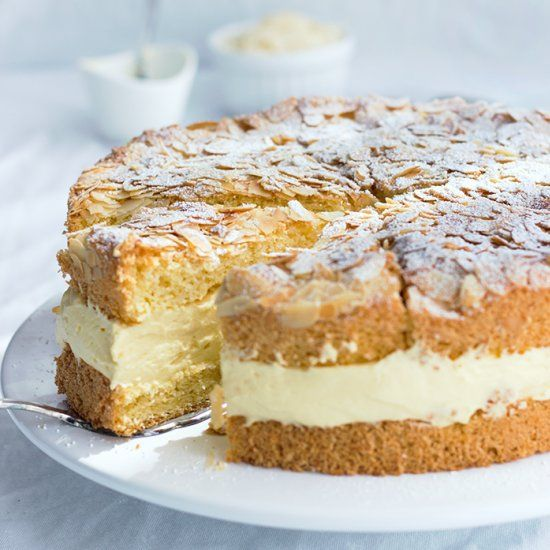 A German Classic: Bee Sting Cake. Very easy and delicious! (in English and German)