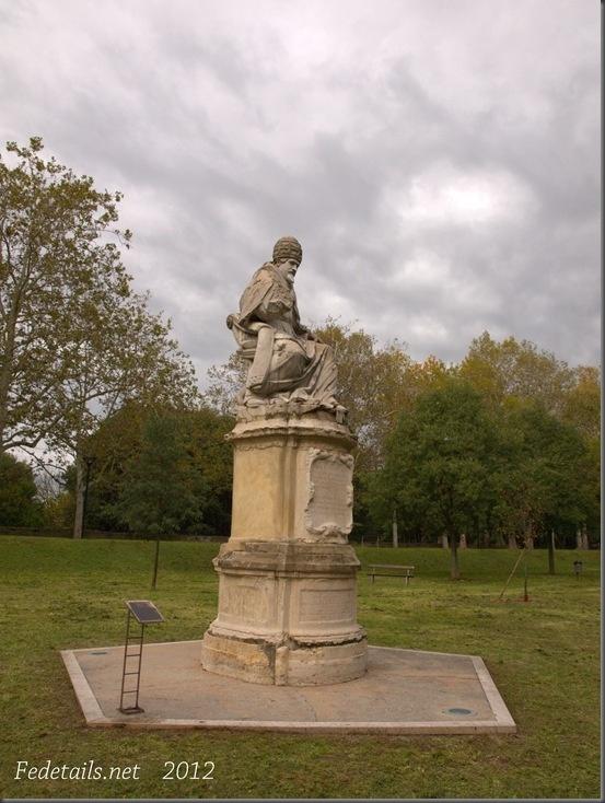 La statua di Paolo V ,4, Ferrara, Emilia Romagna, Italia - The staue of Pope Paul V , 4, Ferrara, Emilia Romagna, Italy - Property and all Copyright of Fedetails.net