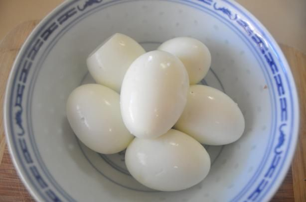 I always use Martha's method, perfect eggs every time! Martha Stewart s Hard Boiled Eggs 101