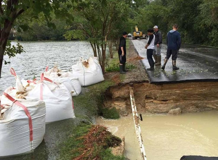 SCEMD: Failure at Beaver Creek dam is imminent http://shout.lt/bfg7l