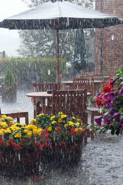 Así es como me gusta la lluvia, en foto!                                                                                                                                                      Más