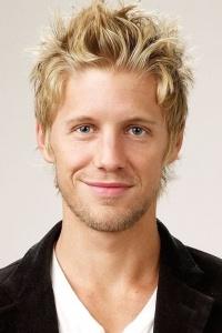 Matt Barr = Rowlen